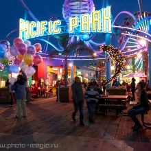 "<span class=""image-name"">Venice beach, Pacific Park</span>"