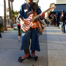"""<span class=""""image-name"""">Santa Monica boardwalk guitar hero</span>"""